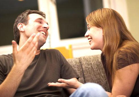 casal-conversando3